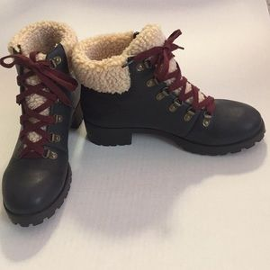 Hiking Boots NWOT faux leather faux fur NEW